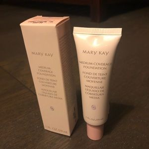 Mary Kay Ivory 104 med coverage liquid foundation